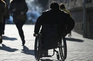 Pusher in sedia a rotelle arrestato dai carabinieri: spacciava droga al Parco delle Groane