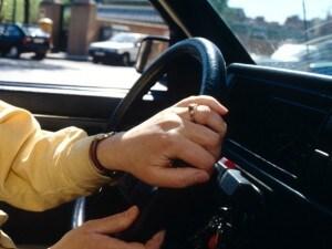Nasconde un Gps nell'auto della ex per controllarla: stalker arrestato a Brugherio