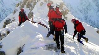Tragico incidente in montagna: alpinista di 30 anni morto sul monte Blumone nel Bresciano