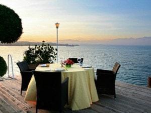 Il ristorante Esplanade di Desenzano del Garda (Dal sito web)