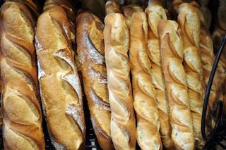 Milano, pane e frutta gratis agli inquilini delle case popolari: l'iniziativa anti spreco del Comune
