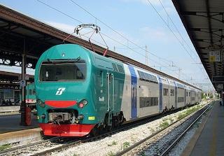 """""""Put..., torna al tuo paese"""": ragazza denuncia aggressione razzista sul treno Milano-Brescia"""
