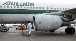 Passeggero si sente male a bordo del volo Catania-Milano: il pilota e due medici gli salvano la vita