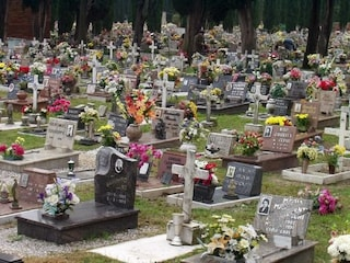 Tentato stupro al cimitero di Robecco d'Oglio: vittima un'anziana che era andata a trovare il marito