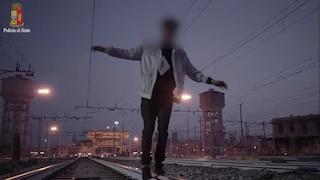 Parabiago, ragazzino 15enne ucciso da un treno per una folle sfida: si era steso sui binari