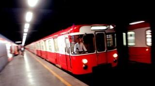 Milano, fumo su un treno della metro: evacuato il convoglio
