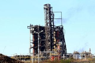 Pavia, incendio alla raffineria di Sannazzaro de' Burgondi: indagati tre manager Eni