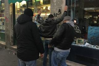 Milano, blitz nel fortino dello spaccio in via Gola: arrestati cinque pusher