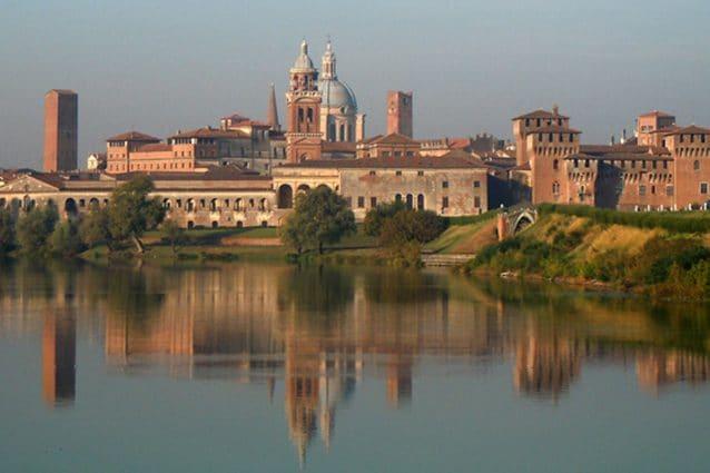 Profilo del centro di Mantova (Wikipedia)