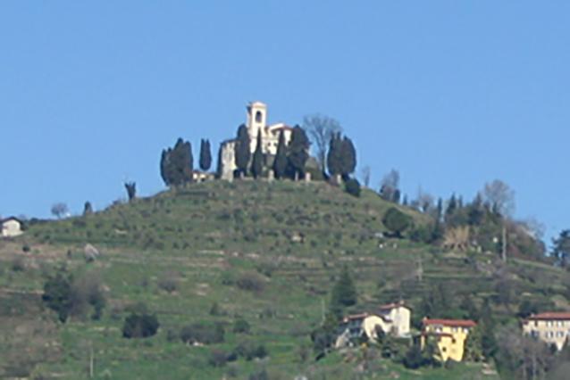 Vista di Montevecchia (Wikipedia).