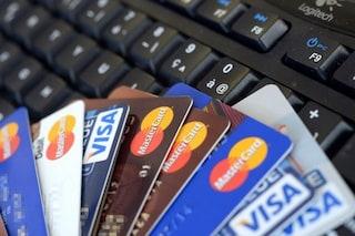 Cornaredo, 17enne ruba i dati di una carta di credito e si compra vestiti e follower: denunciata