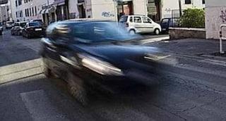 """Razzismo a Pavia, automobilista aggredisce un 15enne perché attraversa lentamente: """"Neg.. di m..."""""""