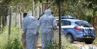 Milano, trovato il cadavere di un uomo nei giardinetti davanti a un supermercato