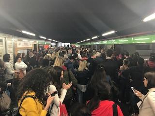 Sciopero trasporti a Milano: metro regolare, rallentamenti in superficie per il traffico