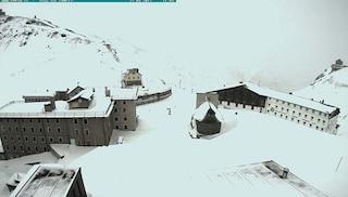 Valchiavenna, strada statale chiusa per tormenta di neve: intervento in corso per il ripristino