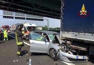 Incidente mortale sulla A7 Milano-Genova a Binasco: morto un 60enne, traffico paralizzato