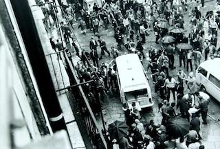 Il 28 maggio 1974 la strage neofascista di piazza della Loggia a Brescia: 8 morti e 102 feriti