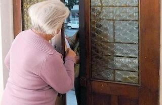Monza, truffa agli anziani: si fingono tecnici e derubano le vittime versando acido nel lavandino