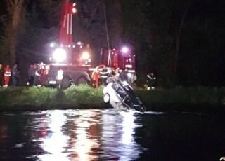 Incidente a Cusago: uomo finisce in un canale con l'auto e muore annegato
