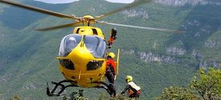 Bergamo, escursionista precipita per 50 metri sul monte Alben: soccorso con l'elicottero