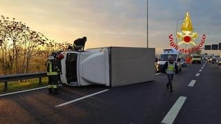 Incidente in Valassina, furgone si ribalta: lunghe code in direzione Lecco