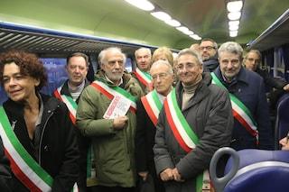 Treno deragliato a Pioltello: a una settimana dalla tragedia i pendolari ricordano le vittime