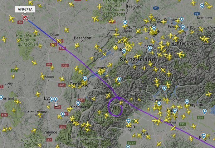 La rotta del volo di linea francese (Flightradar24.com)
