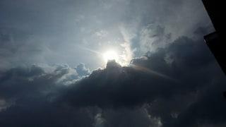 Meteo Milano, sole e temperature in calo fino a giovedì 16 maggio: temporali in arrivo il weekend