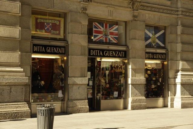 La sede della Ditta Guenzati in via Mercanti: il negozio più antico di Milano continuerà la propria attività in via Agnello (Facebook)