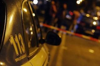 Como, ritrovato il cadavere di una donna in un sacco a pelo nel bosco: compagno confessa l'omicidio