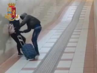 Milano, aggredisce e rapina una donna alla stazione Forlanini: 43enne arrestato dopo un mese