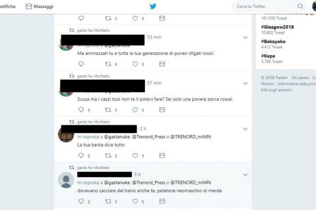 Alcuni degli insulti a chi ha segnalato l'annuncio offensivo contro gli zingari