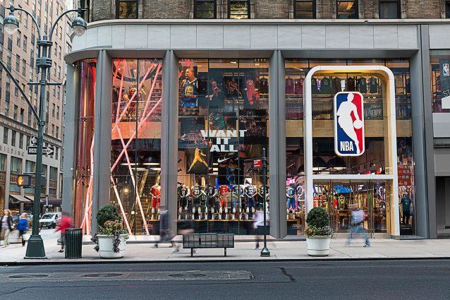 L'Nba store sulla Fifth avenue a New York (Facebook)