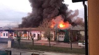 Pavia, salumificio in fiamme: indagata la titolare. Potrebbe essere stata lei ad appiccare il fuoco