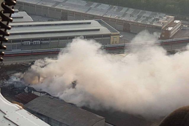Il deposito di rifiuti andato in fiamme (Foto: Comune di Milano)