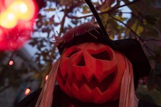 Halloween, boom di interventi per giovanissimi ubriachi in tutta la Lombardia: rissa a Mantova