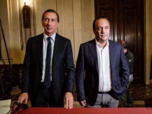 I sindaci di Milano e Riace, Beppe Sala e Mimmo Lucano (LaPresse)