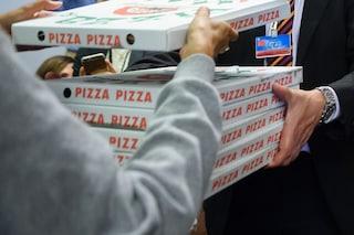 """Milano, ordina le pizze e rapina il fattorino. Dopo l'arresto si giustifica: """"Avevo fame"""""""