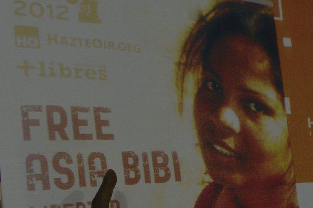 Un manifesto a favore della scarcerazione di Asia Bibi (Archivio Getty images)