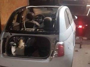 Il deposito delle auto rubate (Foto Questura di Milano)