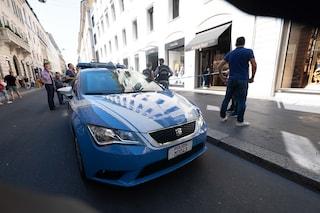 Milano, ladri in azione al Four Seasons: turista derubata di una pelliccia da 15mila euro