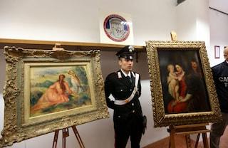 Pavia, rubava quadri da residenze per anziani: beccato il ladro che si travestiva da fantasma
