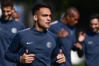 Milano, il calciatore dell'Inter Lautaro Martinez coinvolto in un incidente: ferita una donna