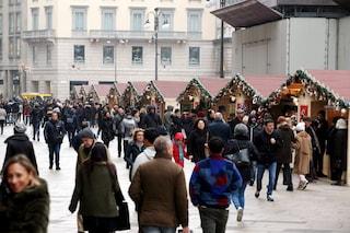 Milano, il tradizionale mercatino di Natale in Duomo: prodotti tipici e regali per tutti i gusti