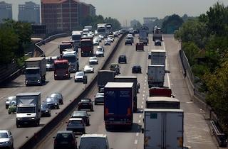 Milano, incidente sulla tangenziale est: coinvolte bambine di due e cinque anni