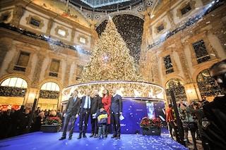 Natale 2018, a Milano acceso in Galleria da Belen Rodriguez l'albero firmato Swarovski