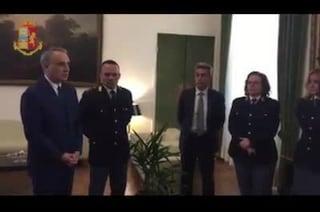 Monza, poliziotto fuori servizio salva dal pestaggio il passeggero di un treno: sarà promosso