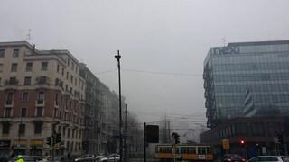 Nebbia a Milano: spariscono i grattacieli di Citylife