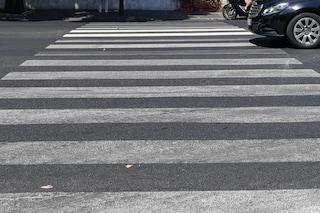 Milano, anziana travolta sulle strisce pedonali: è gravissima