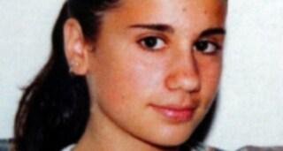 """Omicidio Desirée Piovanelli, a Leno spuntano cartelli con insulti al padre: """"Miserabile burattino"""""""